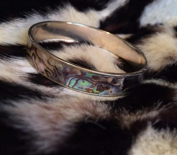 Beautiful Vintage Abalone Shell over Silvertone  Bangle Bracelet