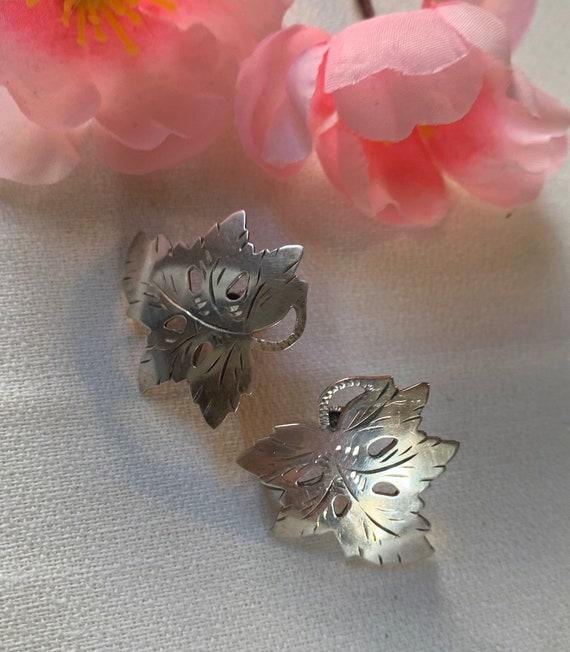 Vintage Sterling Silver Maple Leaf Screw Back Earrings