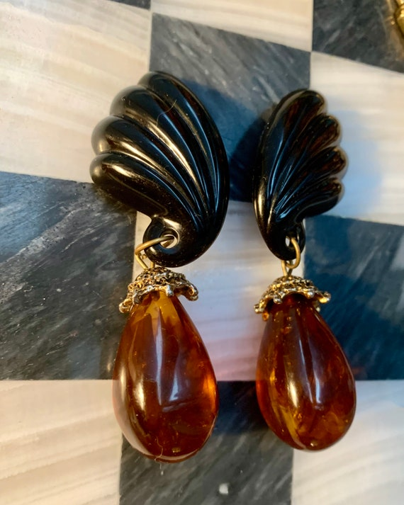 Gorgeous Art Deco Black Lucite & Faux Tortoise teardrop Dangle and Drop Statement Earrings, Mid Century Trendy Frida Kahlo Style Clip ons