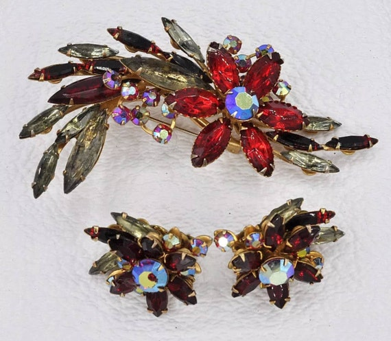 Signed Vintage BEAU JEWELS Red and Pink Julianna Style Rhinestone Brooch  & Earrings