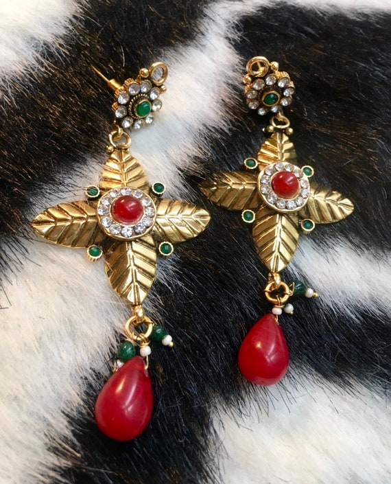 Gorgeous Mogul Carnelian Red & Green glass beads with Exotic Leaf Like Goldtone Dangle Statement Earrings