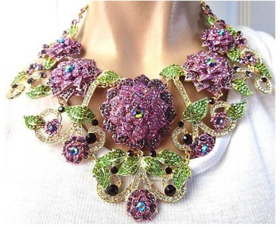 Absolutely Stunning Huge Purple Rhinestone Flower Statement Bling Necklace