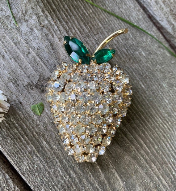 Sparkling Ice Rhinestone Golden Strawberry with Green Leaves Pin, In the Juliana Style