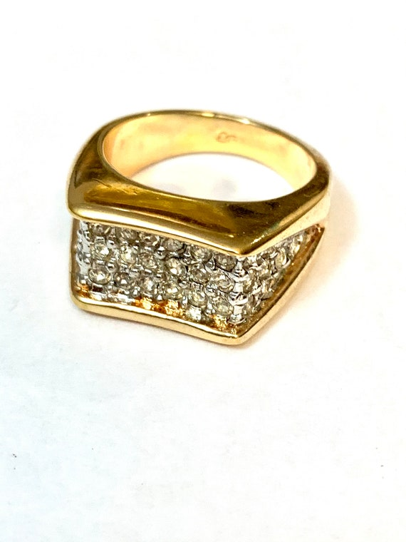 Stylish Ice Rhinestone Modernist Cocktail Ring Size 7.5 - Glamour Jewelry Bling Statement Ring