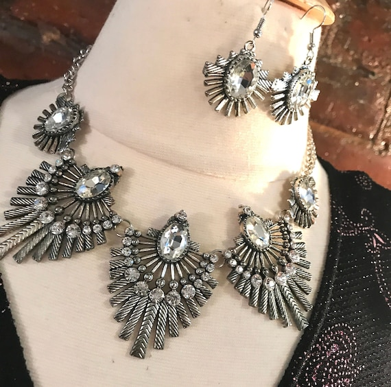 80's 90's Rhinestone Starburst Fanfair Deco Revival Style Glamour Jewelry Matching Silvertone Necklace & Earring Set