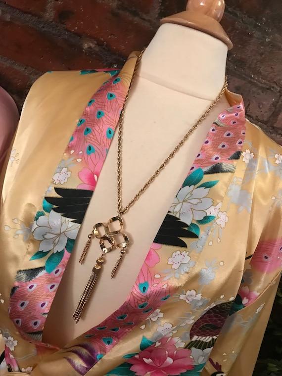 Mid Century Chunky Goldtone Maltese Tassel Medallion Pendant Necklace, Yeah Baby it's Groovy! Classic Wardrobe Fashion Jewelry Accessory