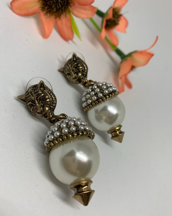 Gothic Panther Tiger & Faux Pearl Wildcat Dangles, Elegant 80s Art Deco Glamour Jewelry Statement Earrings