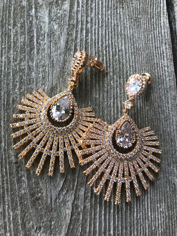Stunning Gold Plate Sparkling Ice CZ Starburst Earrings Stunning Gold Plate Sparkling Ice CZ Starburst Earrings
