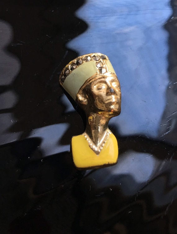 Art Deco Egyptian Revival Cleopatra NEFERTITI Gold Tone Enamel MARCASITE Brooch  Unisex Lapel Pin Small Scatter Pin, Collectible Jewelry