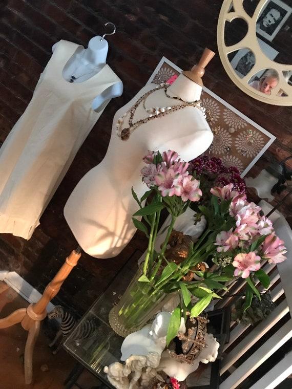 Vintage Prada White Cotton Ruffle Hemmed Sheath M… - image 3