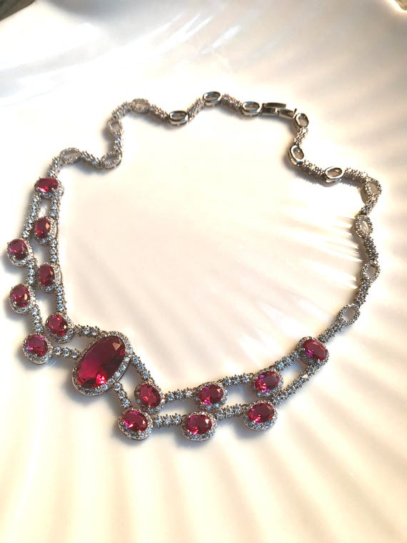 Elegant Ice  & Red Ruby Zirconia Gems Art Deco Styled Formal Ball Dress Necklace Choker