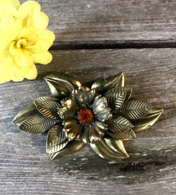 Floral Vintage Brooch, Bronzy Gold Tome Flower with an Amber Rhinestone Center, Bold 80s Costume Jewelry