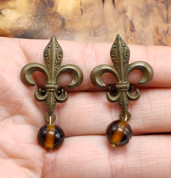 Regal French Fleur de Lis Statement Earrings, Gothic Bronze with Amber Topaz Glass Dangle and Drop, Vintage Clip ons