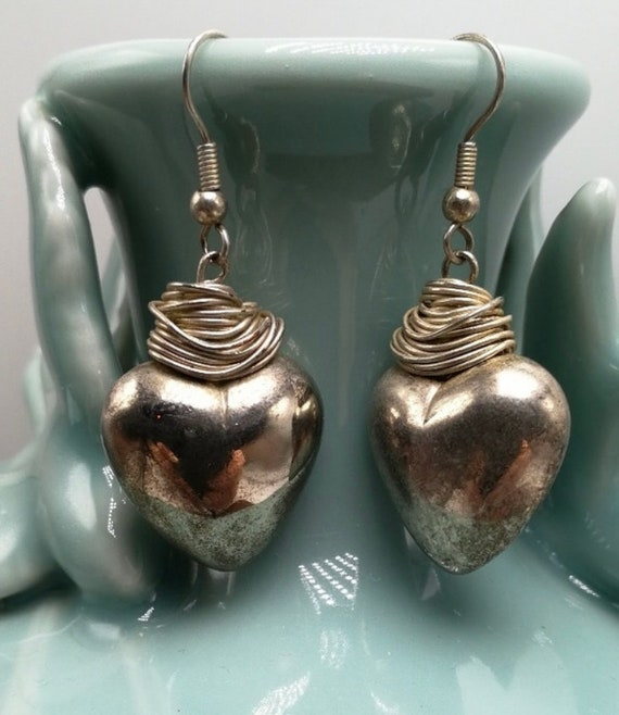 Flirty 90s Glamour Jewelry Silver Wire Wrap Puff Heart Vintage Earrings, Retro Valentines Day Gift Puffy Heart Dangles