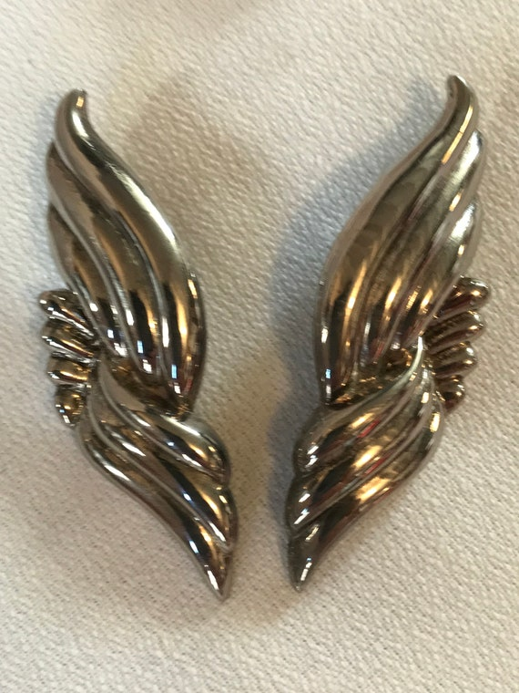 AWESOME 80s Silver Wings of Earrings, Gorgrous Puffy Fluid 2.5 inch Angelic Wing like Studs