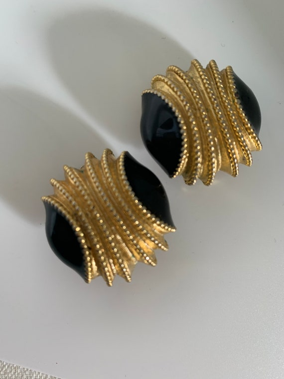 Sophisticated Black and Gold Modernist Statement Earrings, Elegant Vintage 80s Art Deco Glamour Jewelry, Big Bling Clip ons