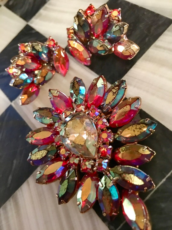 Absolutely wonderful Autumn colored Ambers and rainbow Juliana Style Teardrop Starburst Brooch & matchhng Earrings