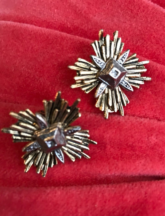 ART Mid Century Heraldic Medal Maltese Cross Gold & Silvertone Vintage Clip On Earrings