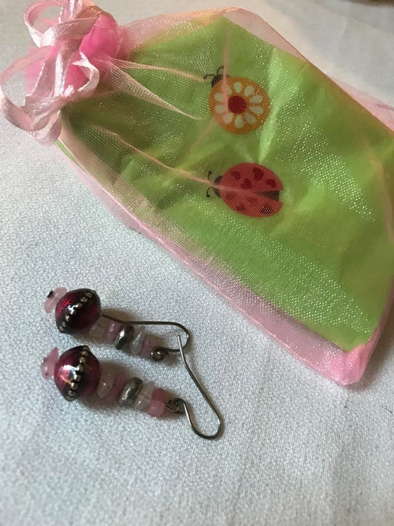 Bling Treat! 10 Dollar Bling goodie this one is a A nicely gifted vintage sustainable Cranberry Red & Pink glass beaded dangle Earrings