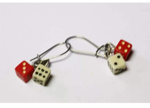 Super Vintage cool & cute mini DICE Gambling Vegas dangling wire earrings so tiny