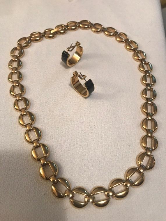 Mid Century Nice shiny Gold Tone Round Linked 16.5 inch Choker Necklace