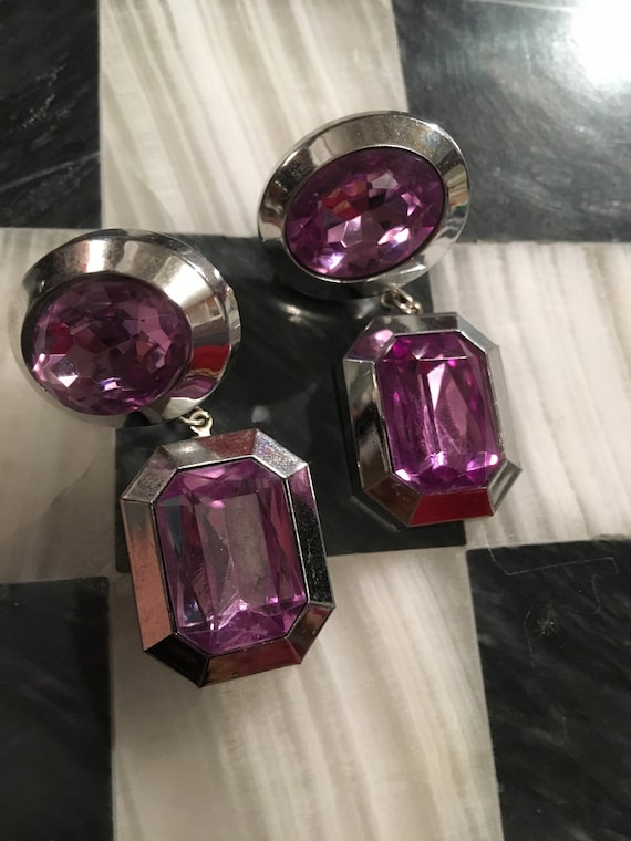 Vintage 80s Glam Purple Dangles, Gorgeous Big Bling Lucite Amethyst Gems  & Silvertone Dangle and Drop Starement Earrings, glitzy awesome80s