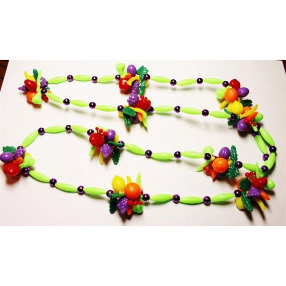 Vintage fun plastic fruit beads tropical neclace chicita