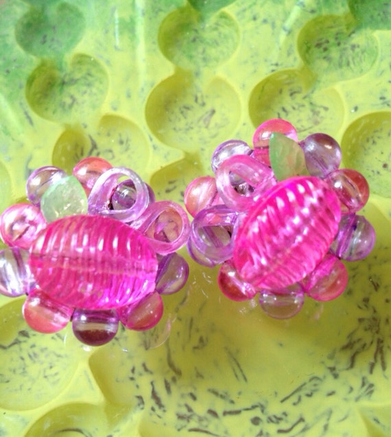 Pretty in Pink & Green Vintage cluster bead clip on earrings- flowers- made in Hong Kong
