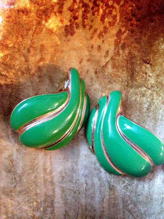 Big Bold Vintage Statement green & gold Art Deco Hollywood Regency Glamour Green Earrings Clip ons