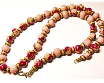 Stunning Vintage Dusty Rose Pink Floral Art Glass Beaded Necklace