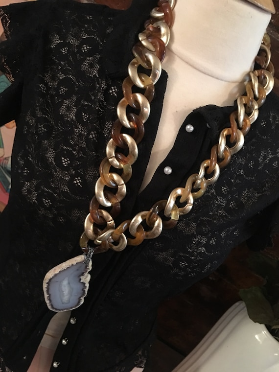 Huge! & Amazing Genuine Agate Geode in Bold Beautiful Golden Lucite Chaine Links Super Cool Funky Big Bling Necklace