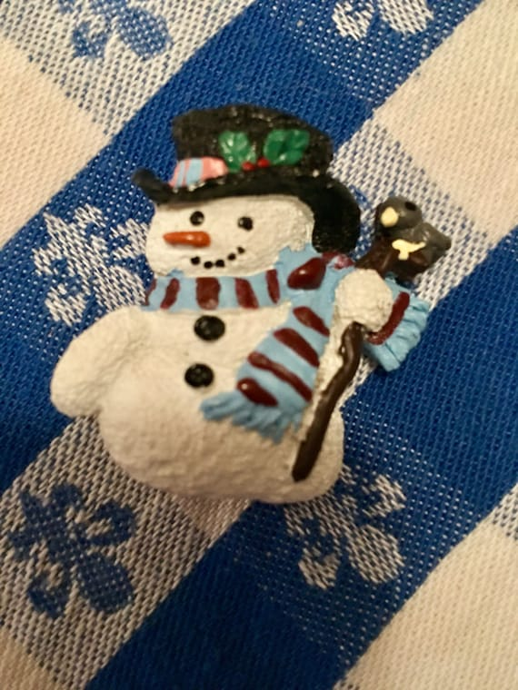 Vintage resin snowman in top hat Christmas pin brooch holding a bird  comes giftboxed & ribboned