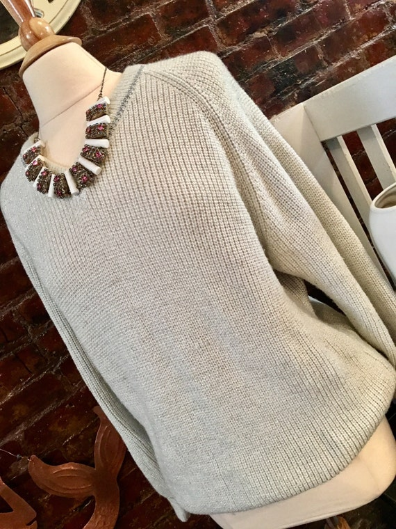 Vintage white with silver threading knit pullover sparkly sweater size M/L