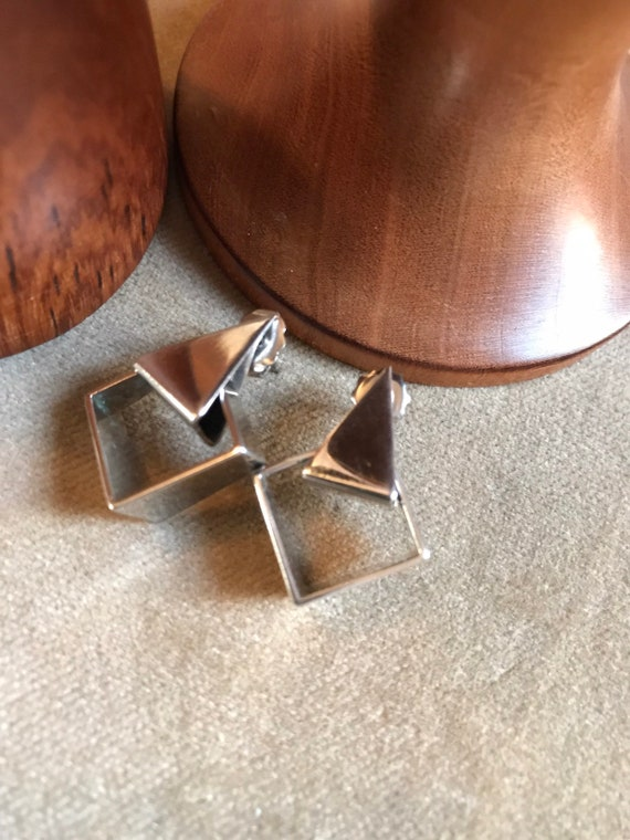 Chic Mid Century Modern Asymmetric Geometric Shiny Silvertone Door Knocker Earrings