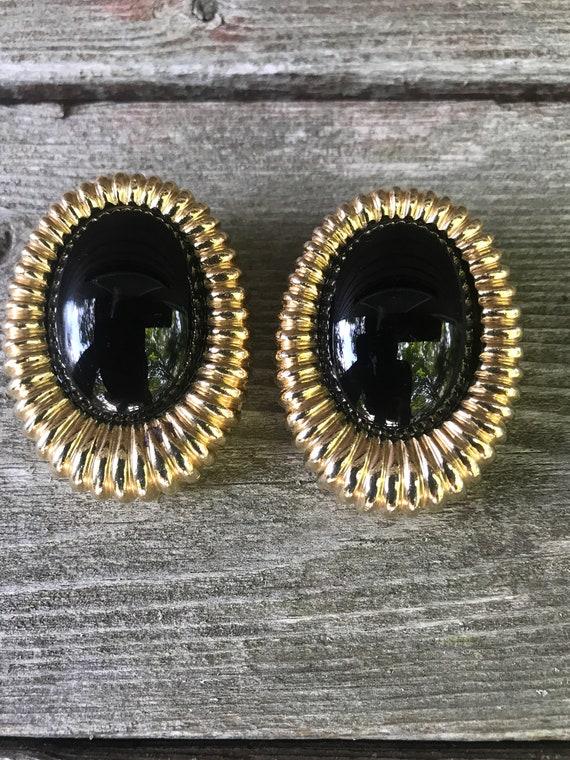 Bold Black & Gold 80s Deco Style Elegant Signed Ciner Clip on Earrings Nice Bling