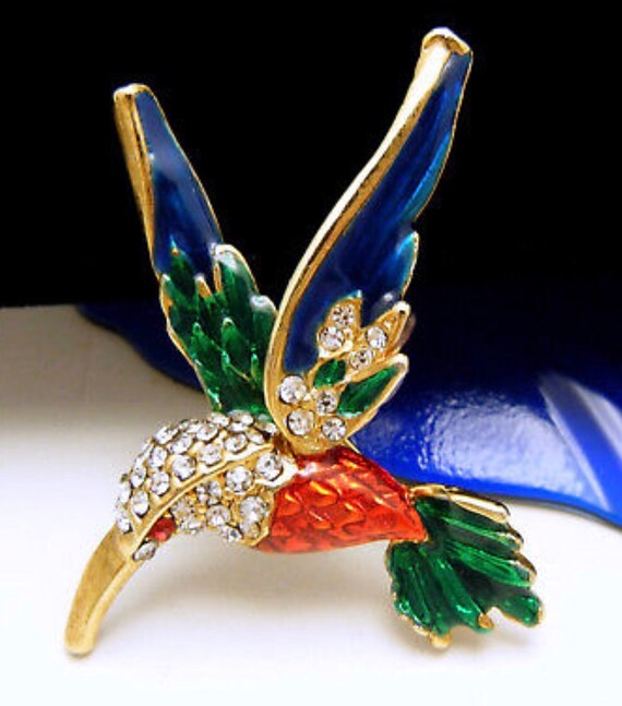 Absolutely Stunning Vintage Hummingbird Figural Brooch Pin Of Enamel & Rhinestones on Goldtone