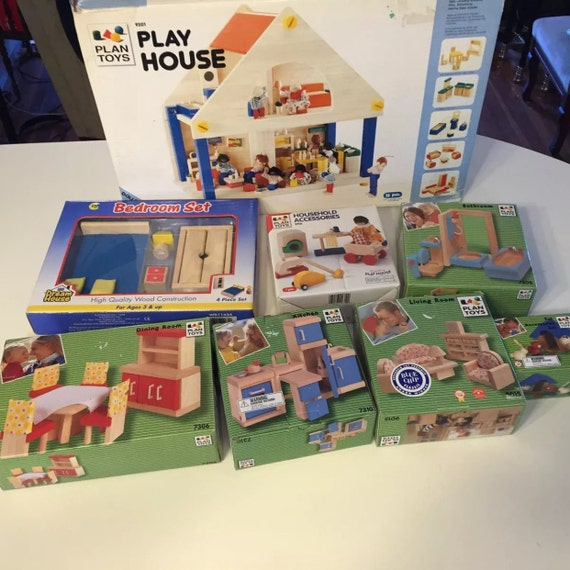 Plan Toys Doll House with 7 boxes of Furniture & Accessories Un-played with New Vintage in Boxes