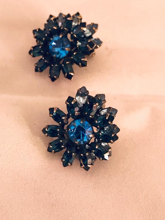 Signed Vogue Sapphire Blue Rhinestone Starburst Sunburst Clio On Earrings