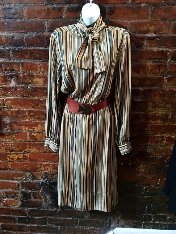 Vintage Jack MulQueen Striped Silk Pussy Bow Savvy Business Chic Dress in Orange beige & Olive tones fits M-L