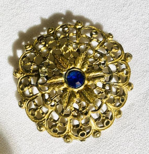 Pretty Art Deco Filigree Open Work Style Brooch Pin with Pretty Cobalt Blue Glass Gem Center