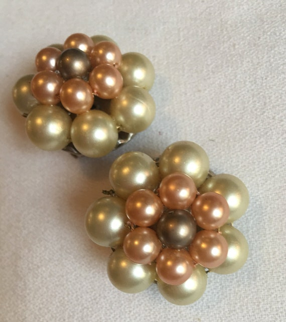 Oversized Mid Century Cluster Pearl Clip on Statement Earrings, Ombré: Ivory Beige & Taupe Pearl Beads