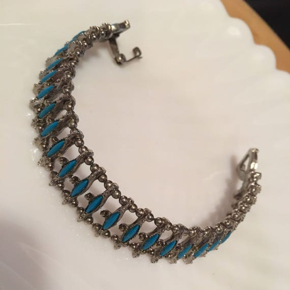 Vintage silvertone Deep Turquoise Blue Diamond Shaped Beaded Southwestern Styled Linked Beaded Bracelet