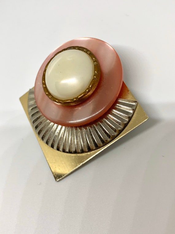 Pretty in Pink Thermoset Art Deco Faux Pearl  Unisex Lapel Pin, Modernist & Two tone Vintage Brooch