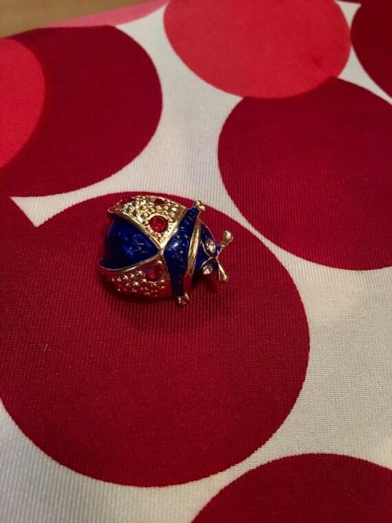 Vintage goldtone &  blue enamel gem bedazzeled lady bug insect beetle pin brooch