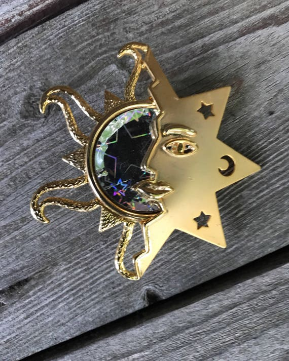 Vintage Holographic Celestial Sun Face Gold Tone Brooch Pin