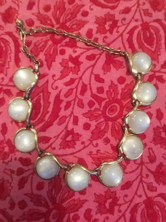 A Glamorous Shimmery White Moonglow Mid Century Thermoset Cabochon Statement Evening Choker Necklace