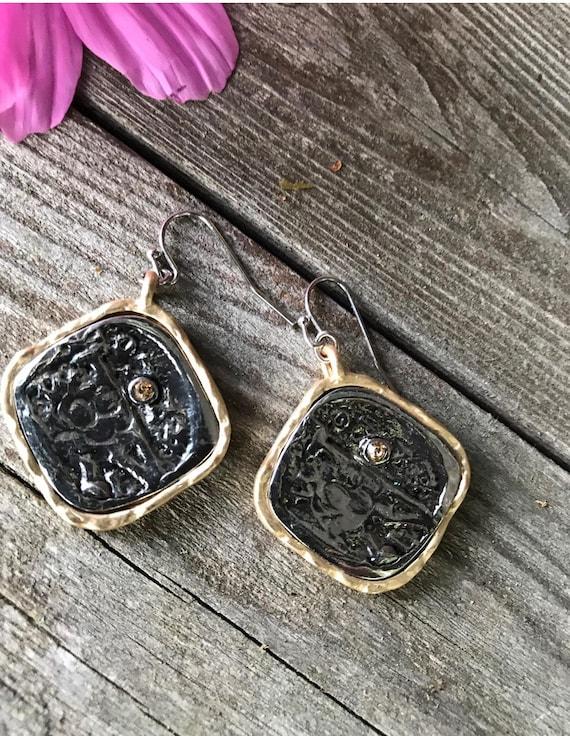 Two tone Brutalist dangling Gunmetal & goldtone round edge Square earrings