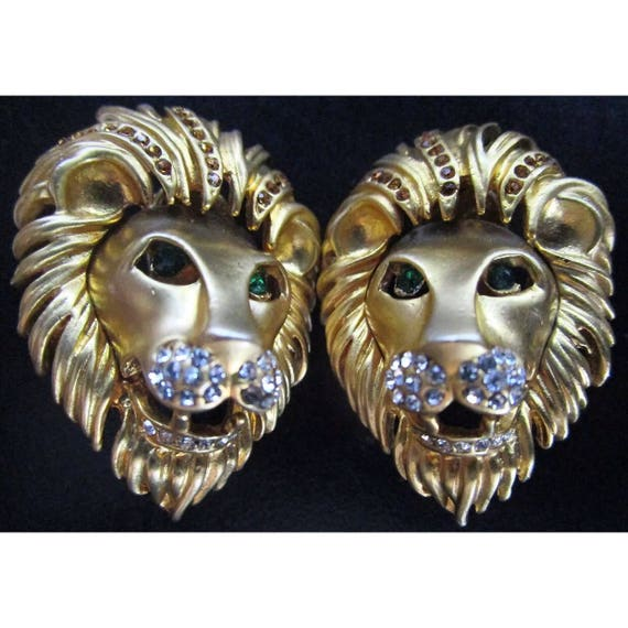 Stunning Vintage Lion Head Statement Earrings bedazzled with Clear & Emerald Rhinestones, 80s Glamour Jewelry Clip Ons