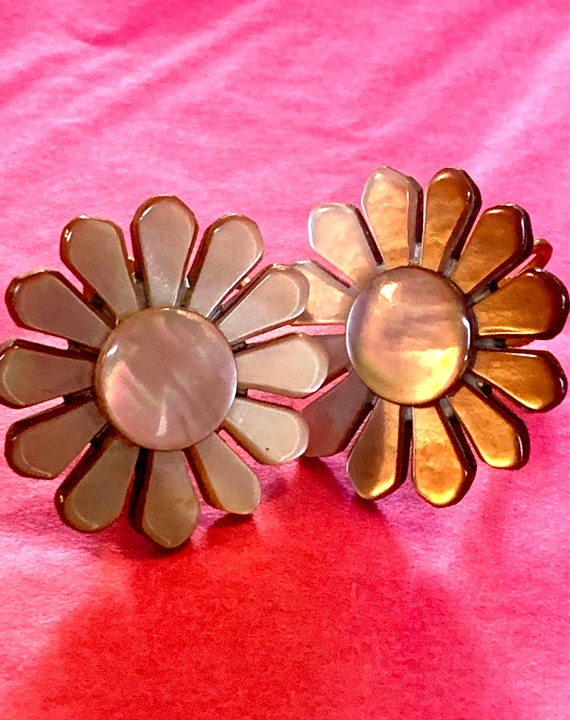 Mother of Pearl Pink Abalone Flowers, Floral Screw Back Earrings, Vintage Post War Asian Shell Jewelry signed Japan