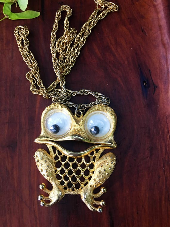 Rare Hard to Find Vintage Signed JJ Googly Jiggly Big Eye Frog Bling Statement Necklace Pendant, kitsch glamour jewelry